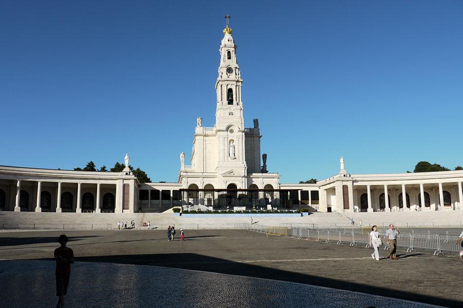 F tima sa basilique son esplanade - Office tourisme portugal paris ...