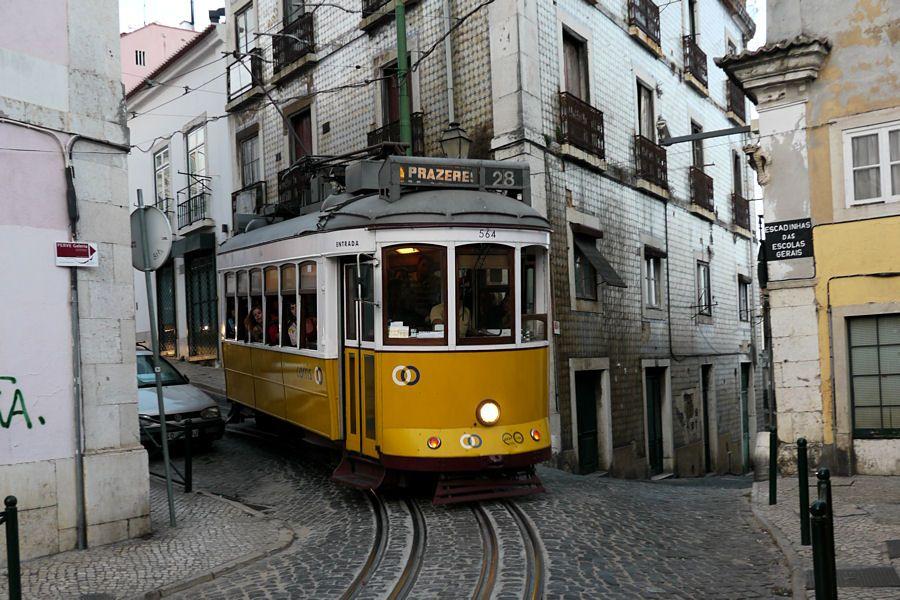 Lisbonne-tram.jpg