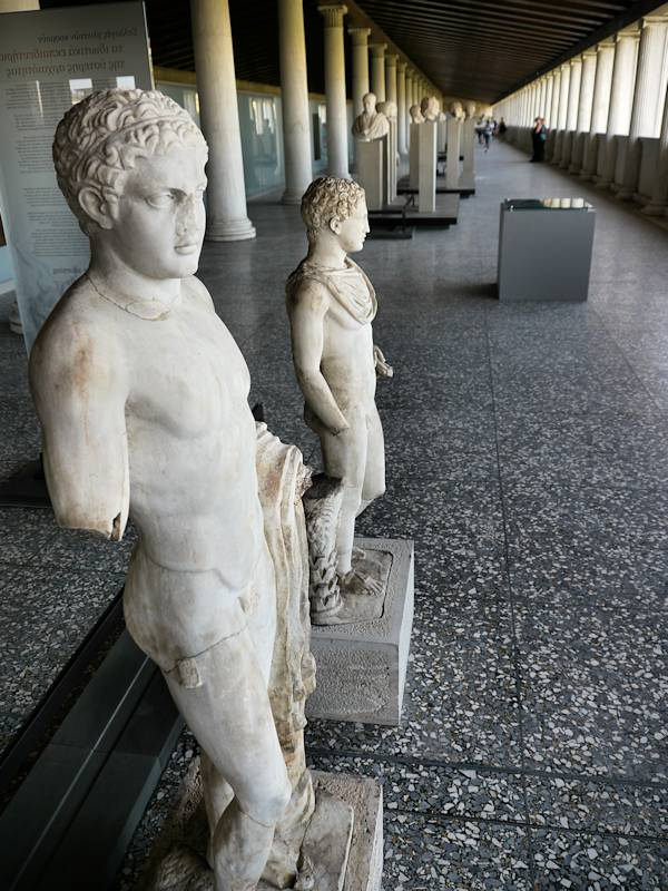 Statues Agora Antique Athenes 04